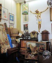 ARTE SACRA MILANO PARAMENTI RELIGIOSI RELIQUIE EX VOTO 3 CHIC MILANO VIA CASORETTO 6