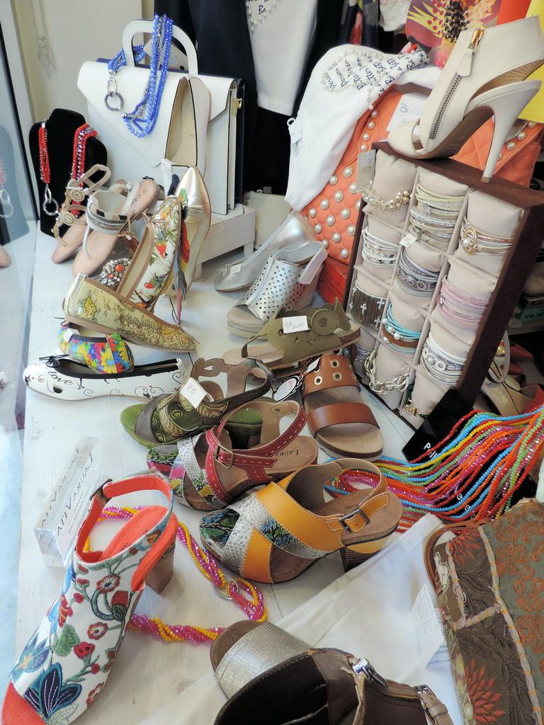 dergano-outlet-calzature-abbigliamento-accessori-donna202